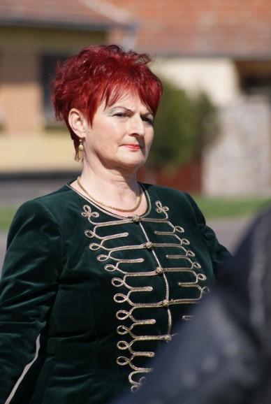Rovásírásos helységnévtáblákat avattak a jászberényi civilszervezetek - Fotó: Jászberény Online / Lénárth Veronika