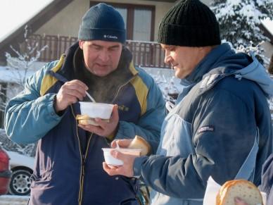 Forralt bor főzési-ivási rekordkísérlet az Érparton - Fotó: Jászberény Online