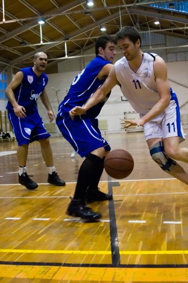 JKSE - SMAFC kosármeccs (09.04.03.) Fotó: Szalai György