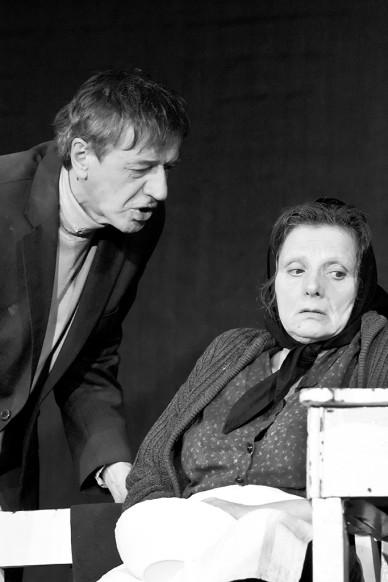 Nehéz - A Bárka Színház vendégjátéka a Malomban - Fotó: Jászberény Online / Szalai György
