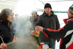 Forralt bor főzési-ivási rekordkísérlet az Érparton - Fotó: Jászberény Online / Szalai György