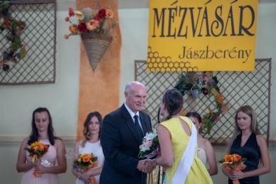 XXXI.Mézvásár /Jászberény Online / Szalai György