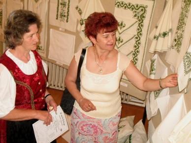Népi Díszítőművészeti szakkör kiállítása - Fotó: Jászberény Online