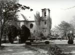A Promenád, háttérben a sérült Főtemplommal - 1957. április