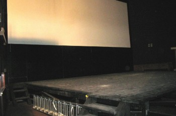 Vászon és színpad - MALOM Film Színház