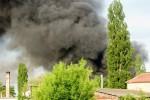Műanyagfeldolgozó égett Jászapátin Fotó: Jászberény Online - Terjéki Ákos